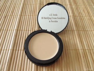 e.l.f. Studio Mattifying Cream Foundation in Porcelain