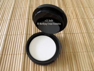e.l.f. Studio Mattifying Cream Foundation