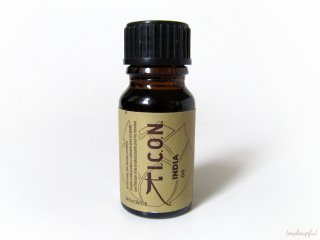 Petit Vour Box March 2014: I.C.O.N. India Oil for hair