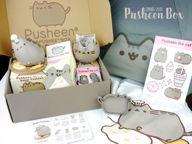 Inside the Spring 2016 Pusheen Box.