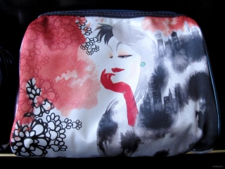 Cruella De Vil Soho Disney Villains Train Case 2013
