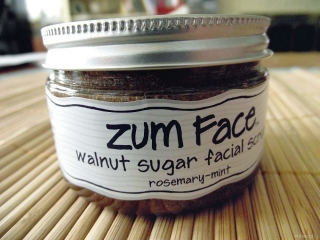 Zum Face Walnut Sugar Scrub in Rosemary-Mint