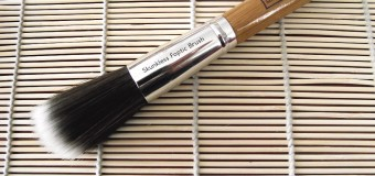 Flashback Thursday: Everyday Minerals Skunkless Foptic Brush